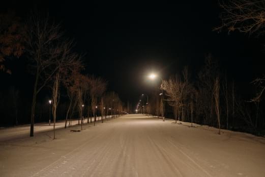 В Парке покорителей космоса запустили освещение